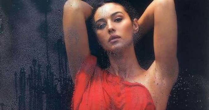 Секс-символ столетия: 15 горячих фото Моники Беллуччи