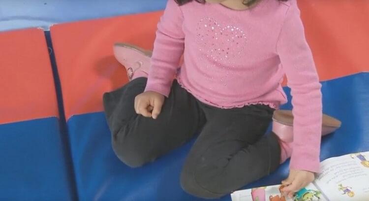 Если твой ребенок сидит так, останови его! Причина? Я понятия не имел.
