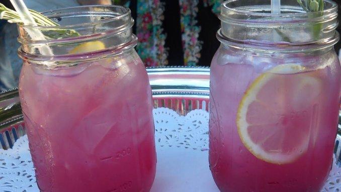 Этот лимонад с лавандой поможет  успокоиться и снять головную боль!