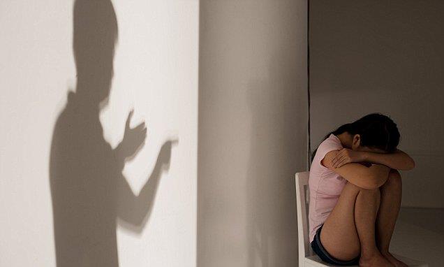 В Индии отец «подарил» дочь друзьям и присоединился к ее групповому изнасилованию, длившемуся 18 часов!