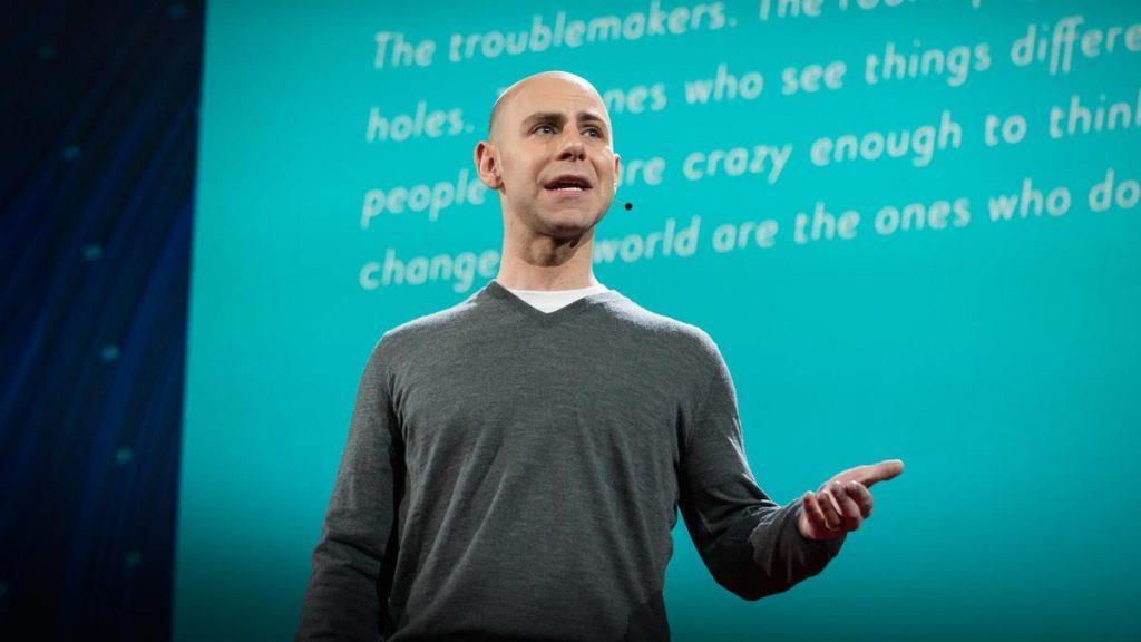 Профессор психологии называет 5 удивительных привычек тех, кто мыслит нестандартно!