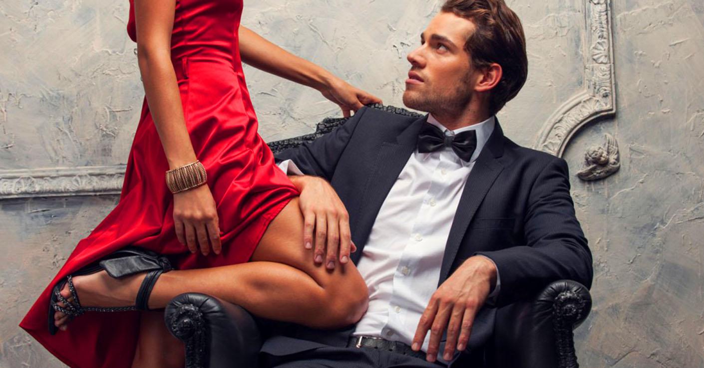 Муж помогает любовнику видео