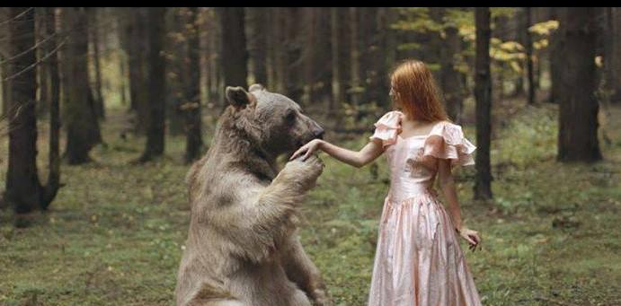 Фотограф создаёт удивительные портреты, на которых она и животные становятся одним целым!