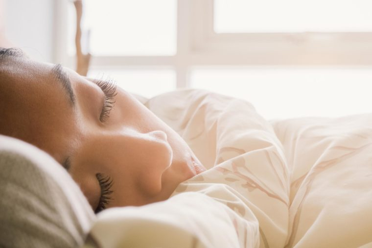 В выходные спите долго!
