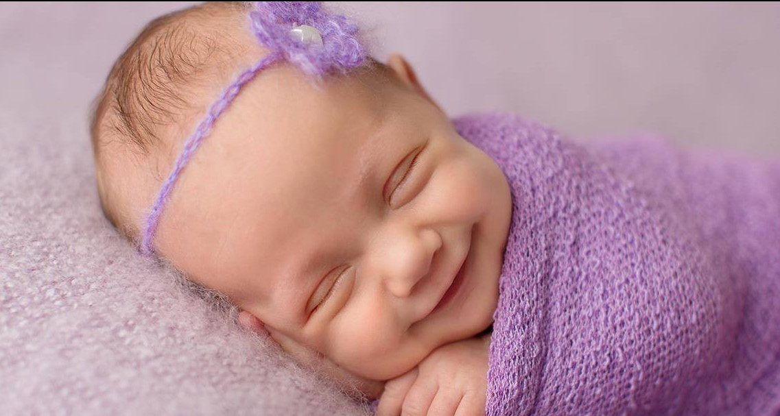 Я научился ловить улыбки Спящих младенцев!