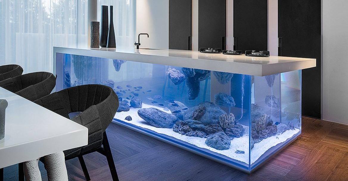 Океаническая кухня с аквариумом!