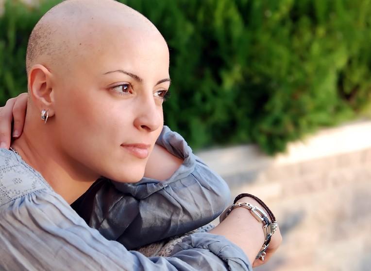 Сильные молитвы в помощь больным раком: читаем каждый день!