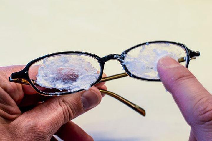 Способы избавления царапин на очках!
