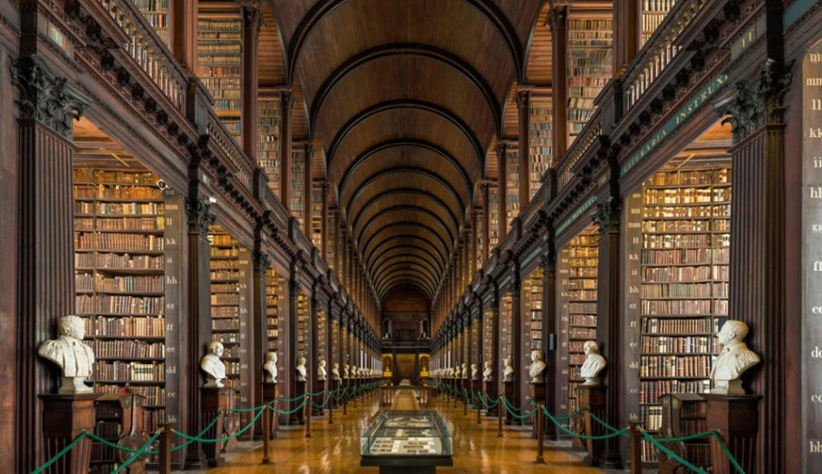 В этой 300-летней библиотеке в Дублине хранится боле 200,000 книг!