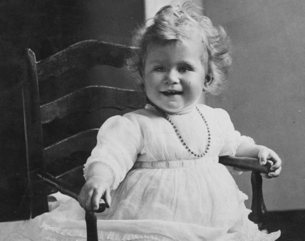 Елизавета II биография личная жизнь семья муж дети фото