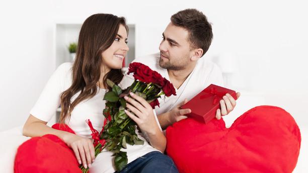 Как одетой женщине легко привлечь внимание нужного мужчины по его Знаку Зодиака!