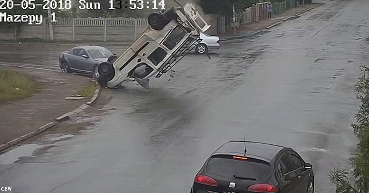 Водитель вылетает из машины и остается жив!