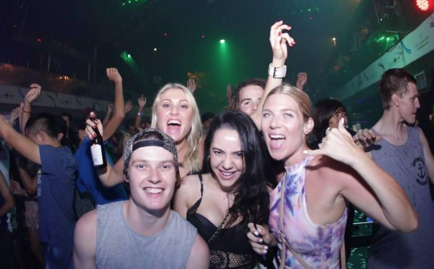 Сладость и грех закрытых вечеринок - такие манящие сессии
