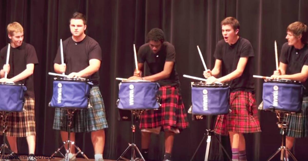 Группа подростков вышли на сцену только с барабанами. Но когда они начали...