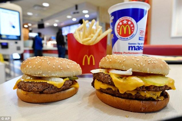 McDonald's убрал все химические ингредиенты из своих гамбургеров!