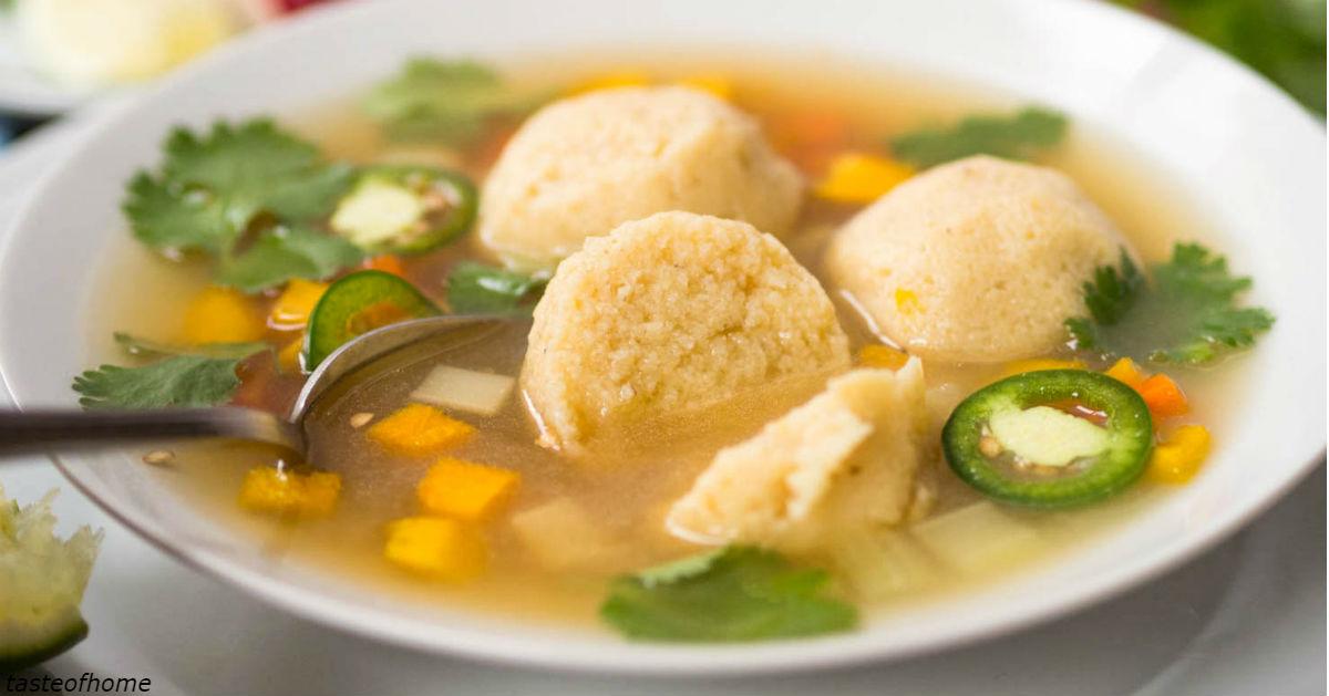 Суп с овощами, сыром и курицей: идеален и на обед, и на ужин