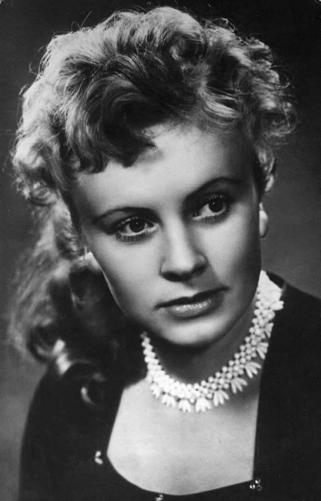 Актриса Алла Илларионова: биография