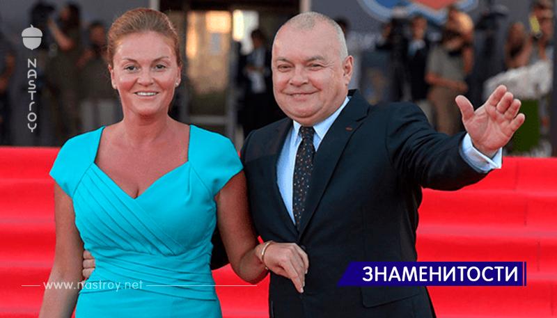А вы видели восьмую жену Дмитрия Киселева? Только взгляните на нее и вам станет ясно, почему он такой