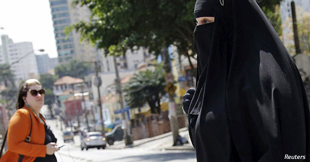 Египет запретил паранджу, чтобы помочь властям бороться с исламистами