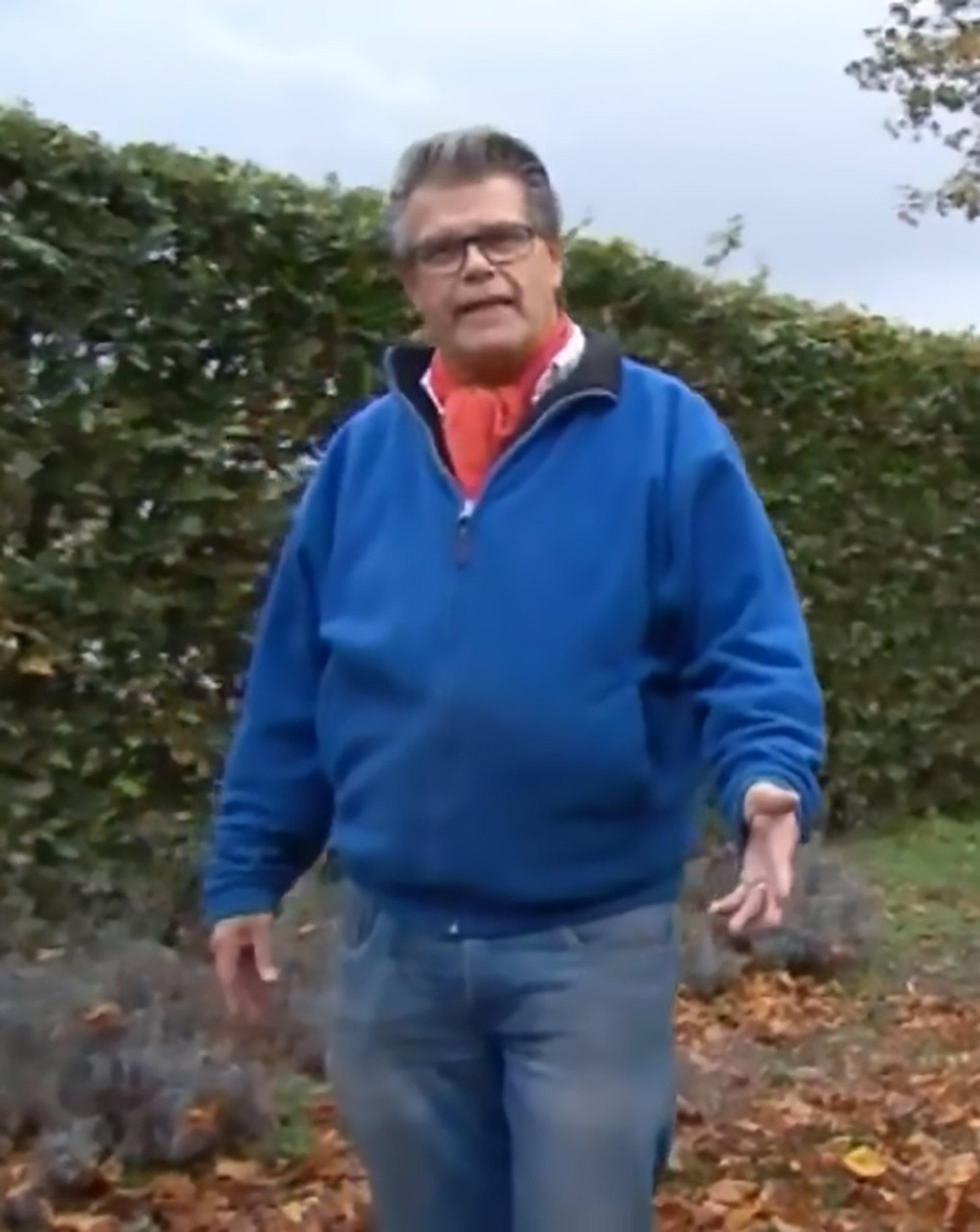 69-летний мужик хочет «изменить» свой возраст, чтобы стать «49-тилетним»