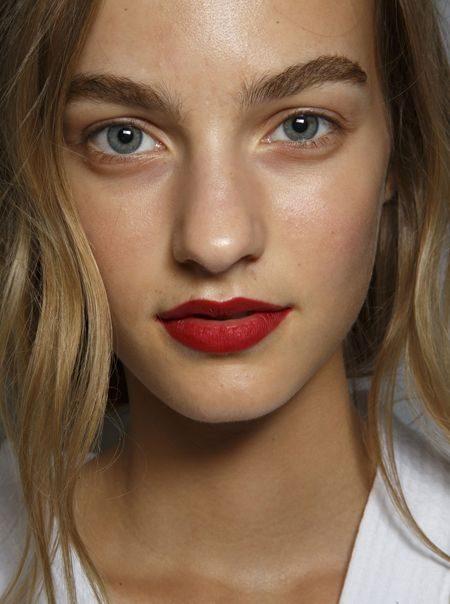 Вот 9 самых модных трендов красоты на 2019 год. Какой понравился вам?