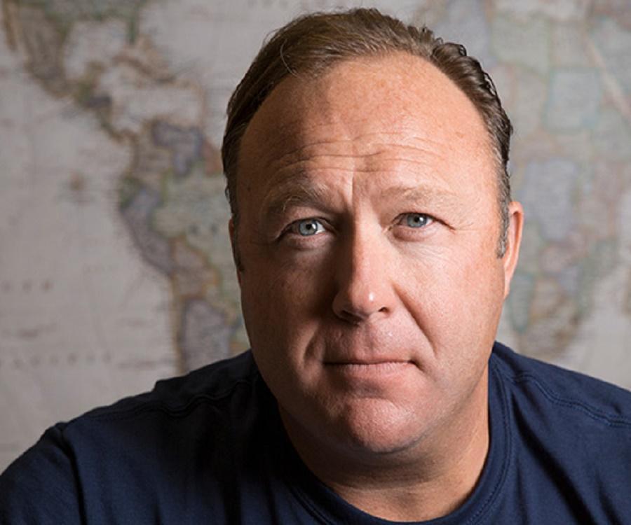 Алекс Джонс: биография и карьера