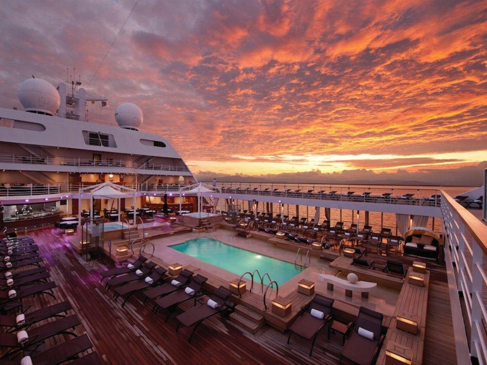 Роскошный круизный корабль сделает вам кругосветку за 146 дней. По пути — 62 порта!