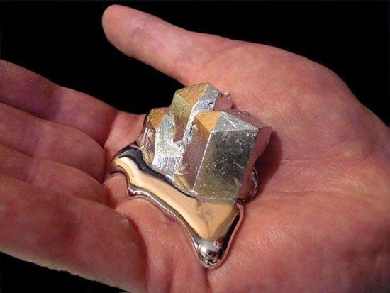 Химический элемент ртуть. Плотность металла в жидком и твердом агрегатных состояниях