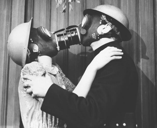 Ненормальные вещи, которые люди делают в отношениях
