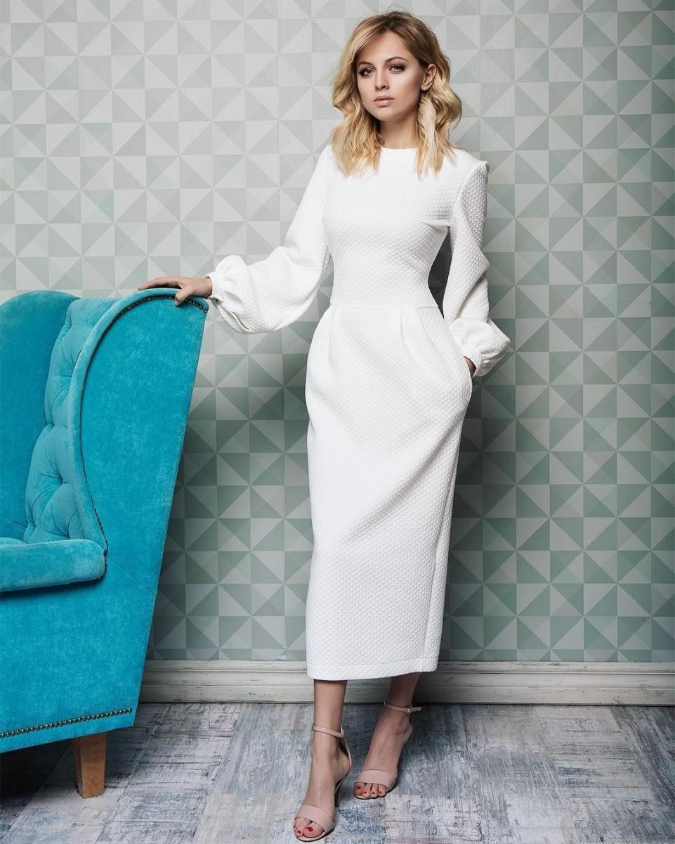 Сама женственность – 15 элегантных образов с платьем 2019
