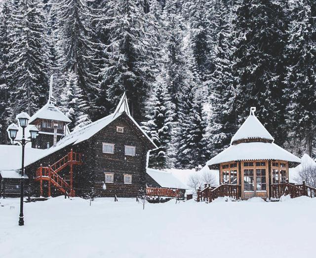 Загородный отель «Волынь»: отдых по старорусским традициям