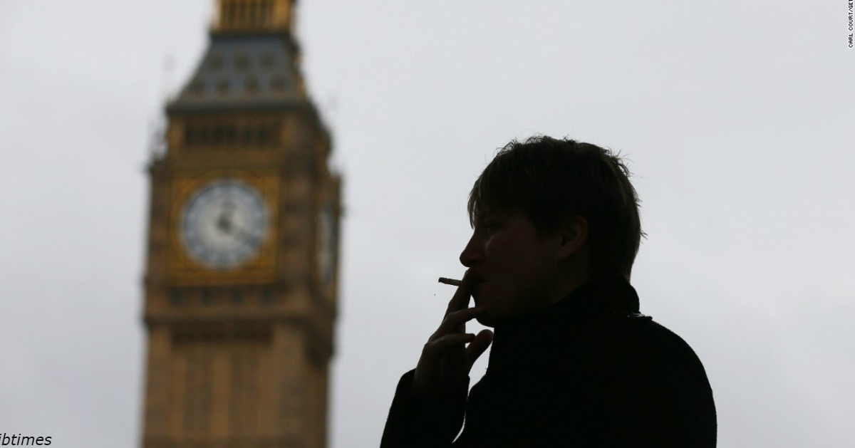 В Британии купить сигареты можно будет только после 21 года   новый закон