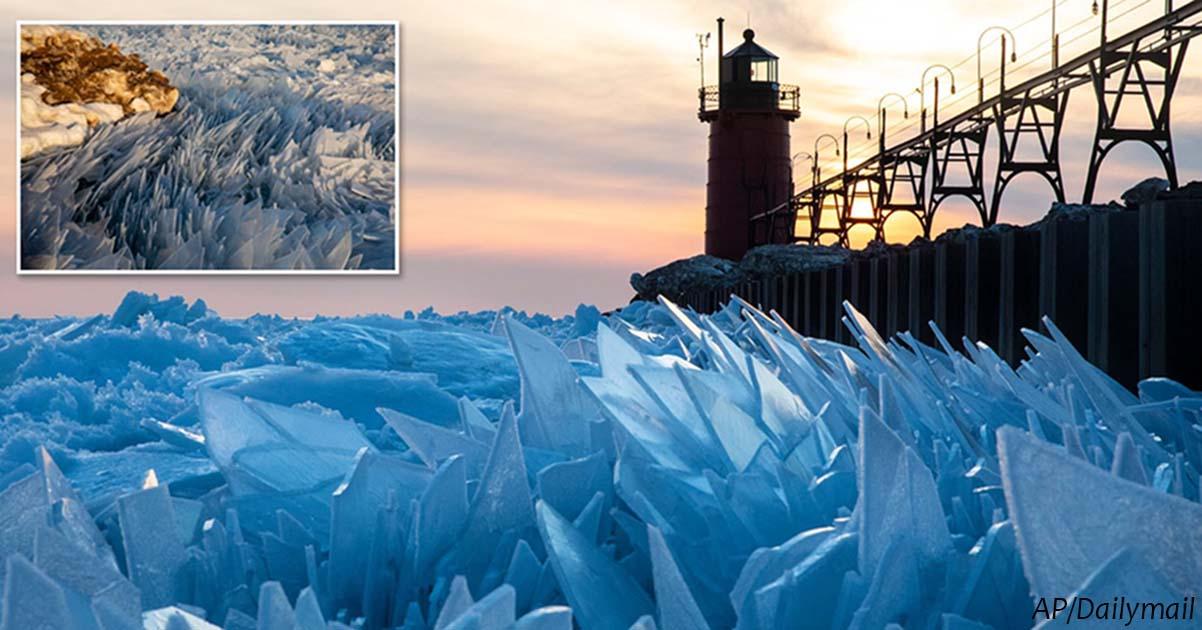Замерзшее озеро Мичиган теперь тает и ″распадается″ на миллионы осколков
