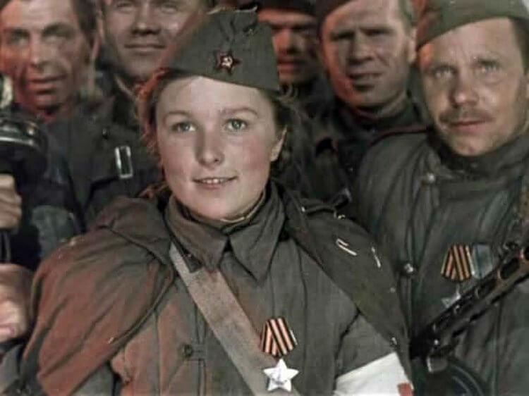 «Уникальная женщина» Вера Васильева отметила свой 93- й день рождения на сцене