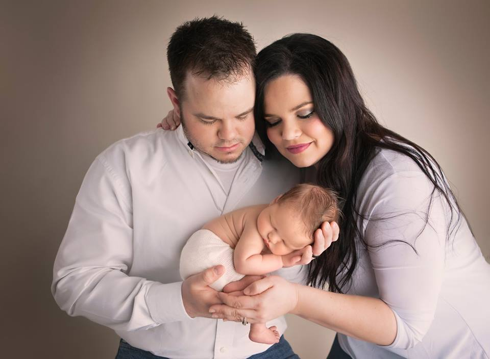 Суррогатная свекровь выносила собственного внука для сына и его жены