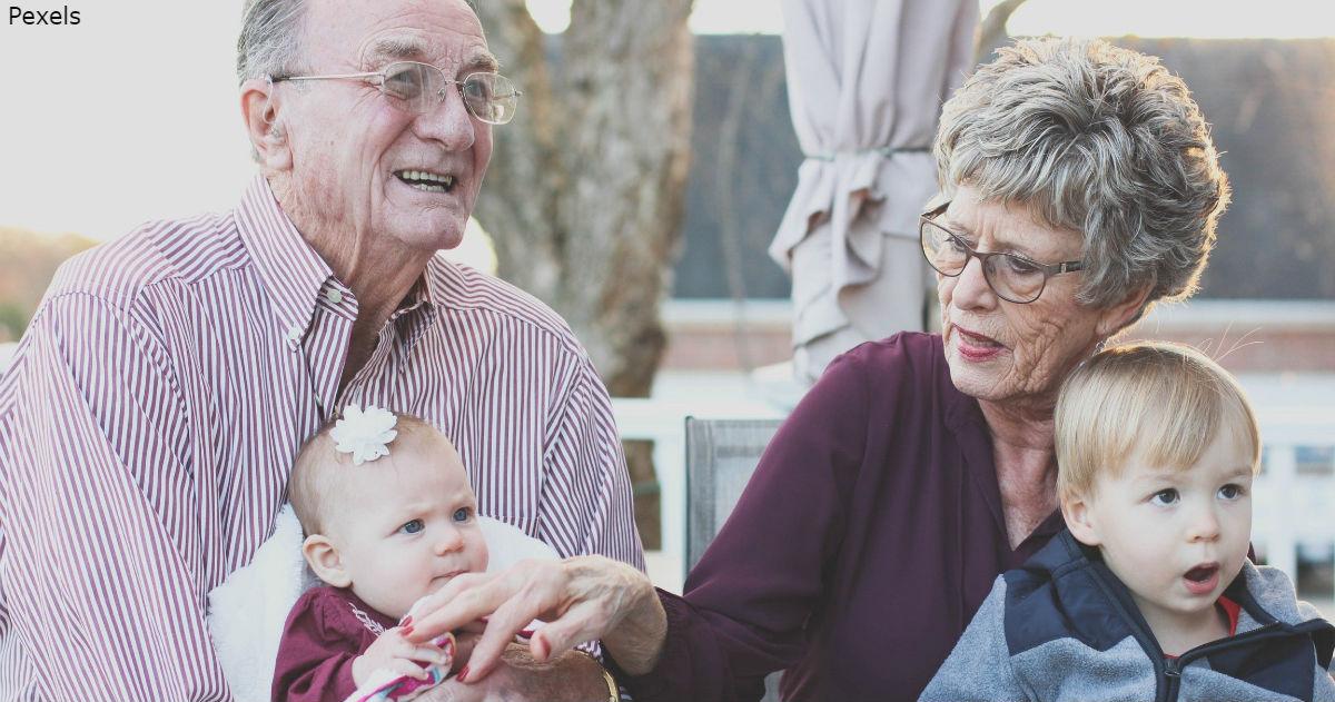 Бабушка и дедушка, ваша помощь значит больше, чем вы могли думать!