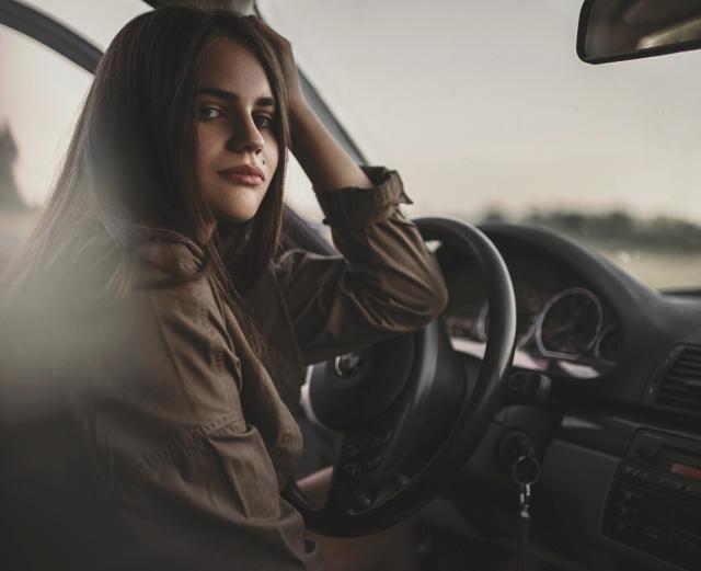 Как научить свою девушку уверенно водить машину