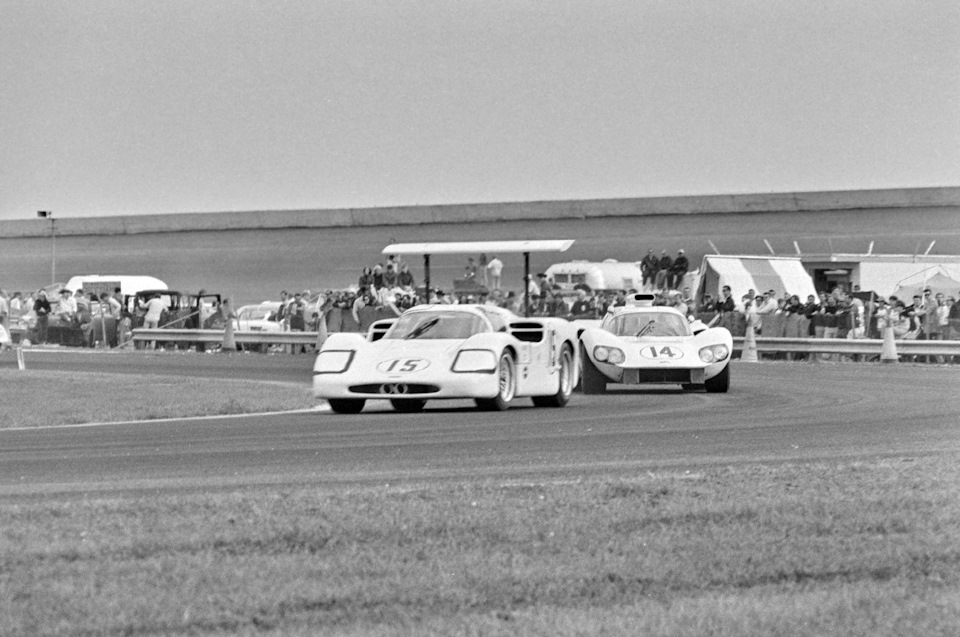 Chaparral 2D and 2F. Guests from the future