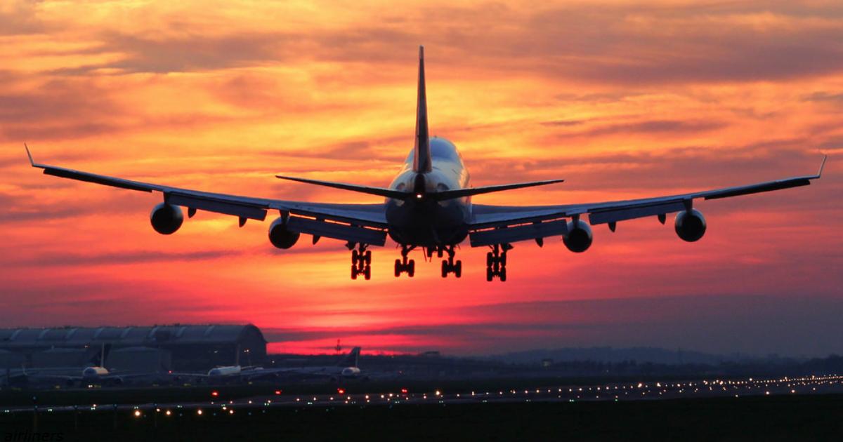 Самолет развернулся в воздухе и спустился на землю: мать забыла ребенка в аэропорту