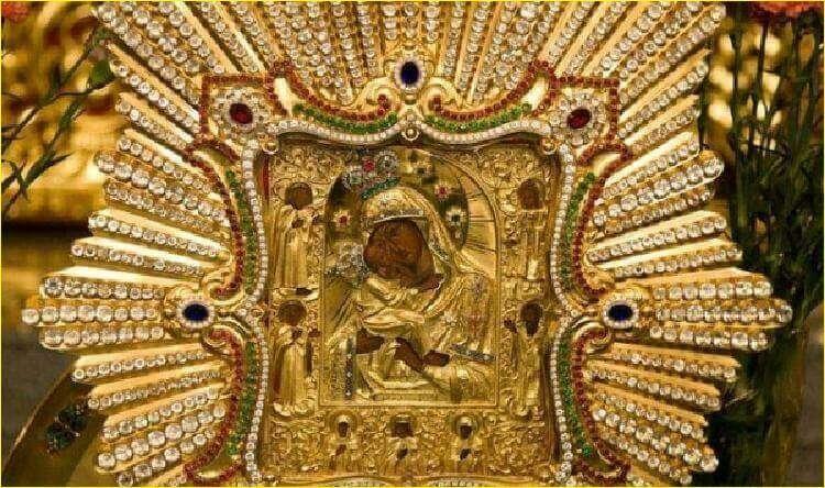 Почаевская икона Божией Матери — самая почитаемая чудотворная святыня