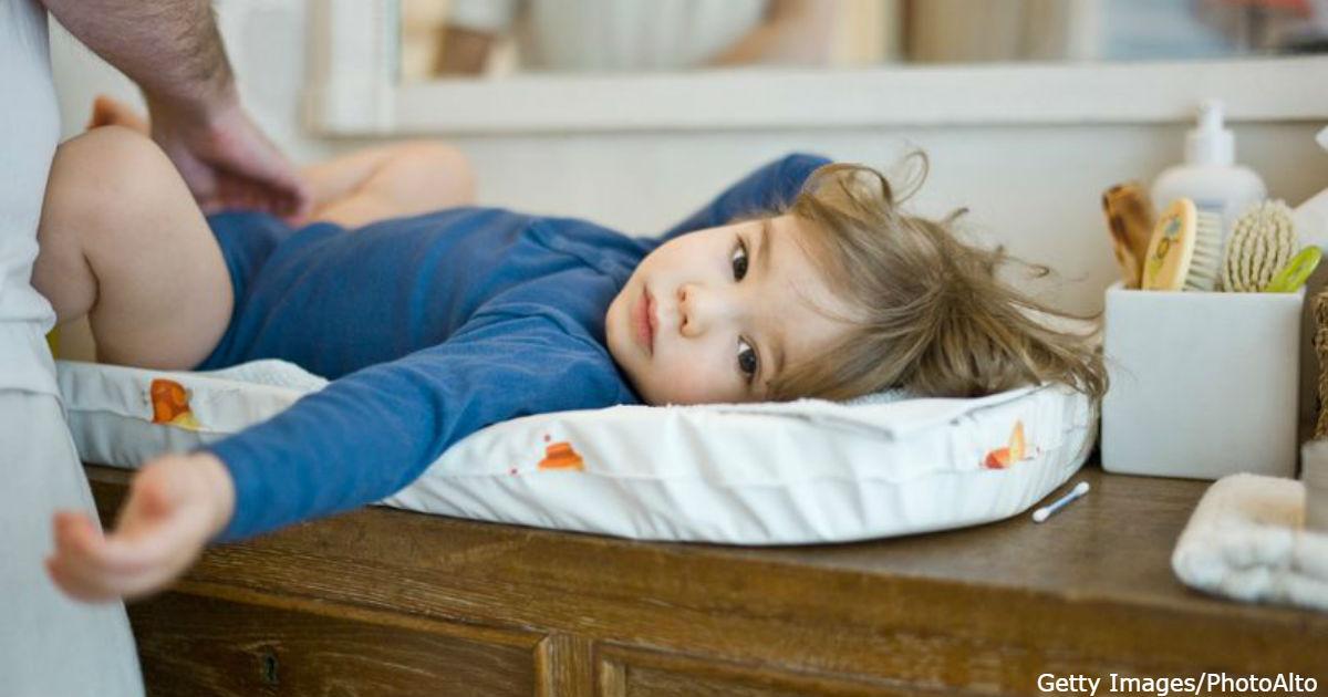 Школы в Британии закупают памперсы: 5 летние дети не умеют ходить на горшок