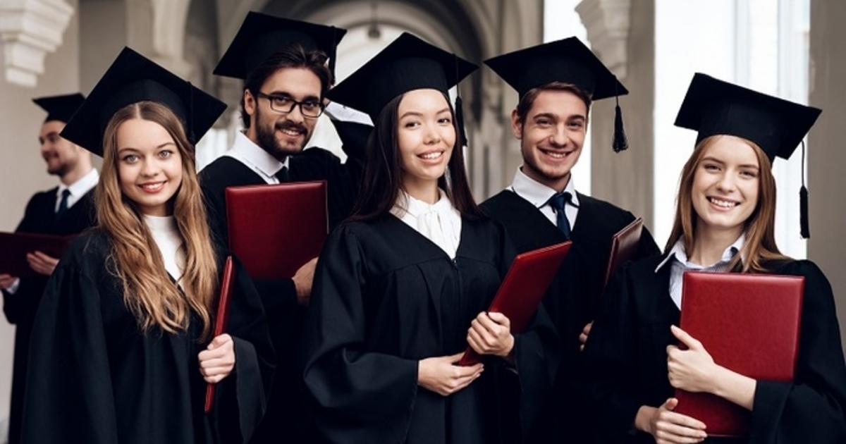 Забудьте о сумочках и «ролексах»: Сейчас модно вкладывать только в образование и здоровье!