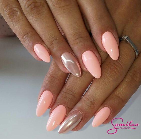 Яркий, свежий и при этом утонченный и легкий — нежный маникюр цвета персика!