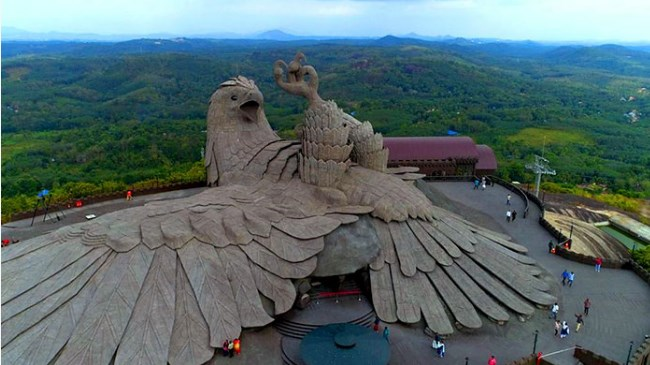 Чтобы построить этот памятник, мужик потратил 10 лет. Вот фото