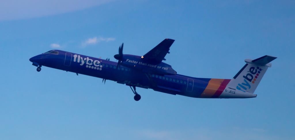 Самолет Bombardier Dash Q400: фото, характеристики, схема самолета, лучшие места, отзывы пассажиров