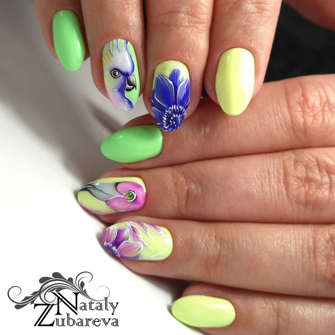 Яркие идеи цветочного маникюра для модниц