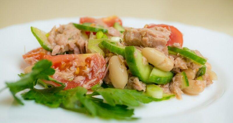 Несколько диетических салатов вместо ужина. Ешь даже после 10 вечера — всё равно похудеешь
