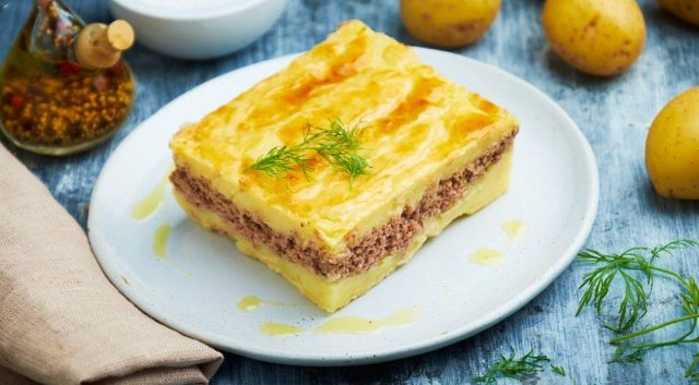 Картофельная запеканка с фаршем: вкусная закуска, которую легко спутать с сочным тортом