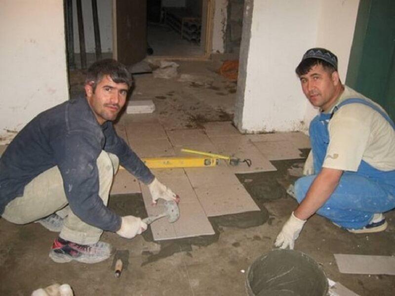 Закон кармы в действии: Женщина решила обмануть ремонтников…