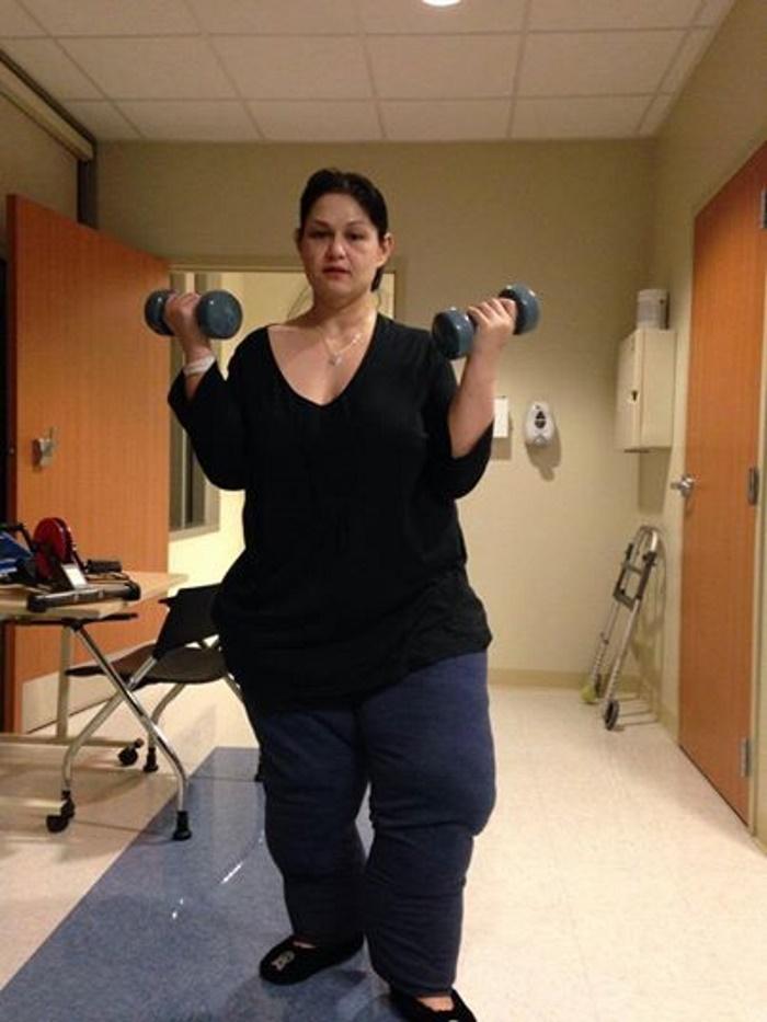 Женщина, весившая 450 кг, смогла преодолеть себя и похудеть, чтобы заботиться о племянниках (фото)